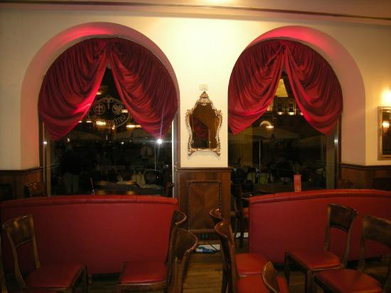 Palazzo stratti - Caffe degli specchi ...
